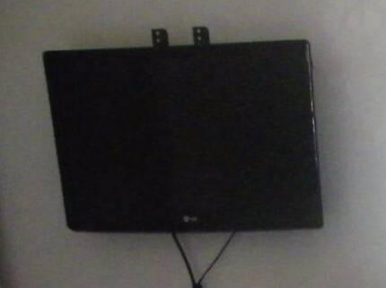 42'' LG, LED LCD TV. Model: LS35