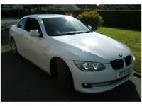 Stunning 6 Cylinder Version in White with Full Black Leather and amazing Folding Roof!