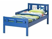 Bed for sale blue without mattrece