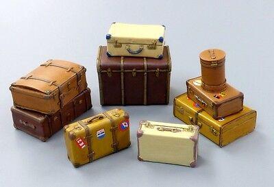 PLUS MODEL #489 Old Suitcases für Diorama in 1:35