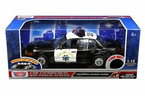 Motor Max 1/18 California Highway Patrol Police Car Realistic Light Sound 73993