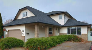 5 Bedroom Family Home with Pool!  790 Anders Road