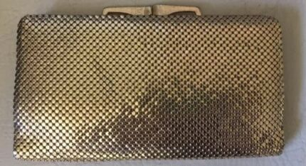 WANTED TO BUY: GOLD GLOMESH WALLET Wooloowin Brisbane North East Preview