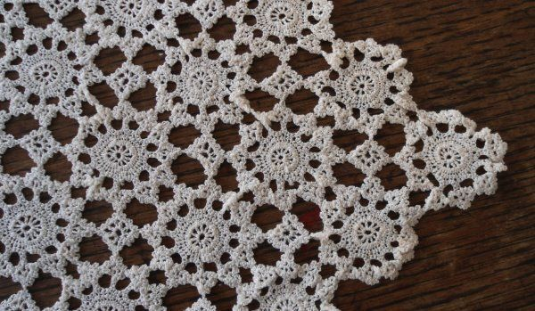 Vintage Fine Crochet Lace Doily Traycloth Table Runner Needle Work B