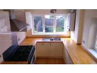3 bedroom house in New Road, Netley Abbey, Netley Abbey Southampton, SO31