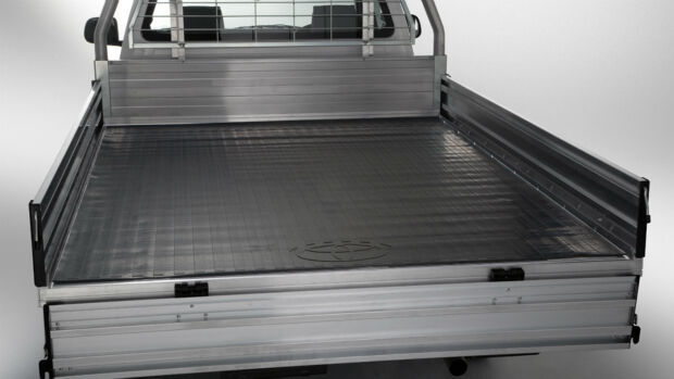 TOYOTA HILUX ALLOY TRAY MAT DUAL & EXTRA CAB CHASSIS NEW FROM FEB 05>