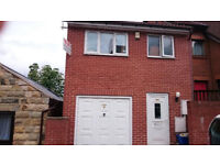 A large purpose built detached student house located within prime location of access to University
