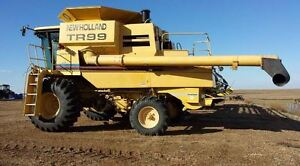 2000 NEW HOLLAND TR99 w/ 76C COMBINE