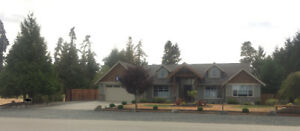 Executive Home Fully Furnished & Pet Friendly in Nanoose Bay