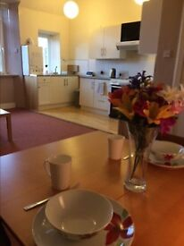 2 bedroom flat on 3rd floor. Fully furnished. 258 High St, Kirkcaldy