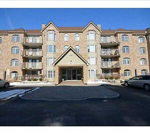 Burlington (Aldershot) Virtually New 1 Bedroom condo 1025 Sq Ft
