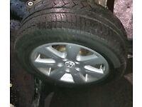VW Passat B6 x4 Alloy Wheels & Tyres (2006)