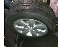 VW Passat B6 x4 Alloy Wheels & Tyres (2006)