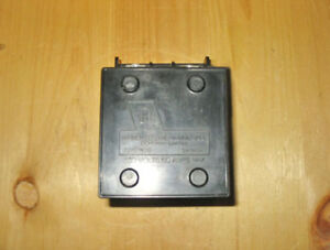 triangle 60 amp, 240 vac fuse holder & fuse block (set) ~ rare