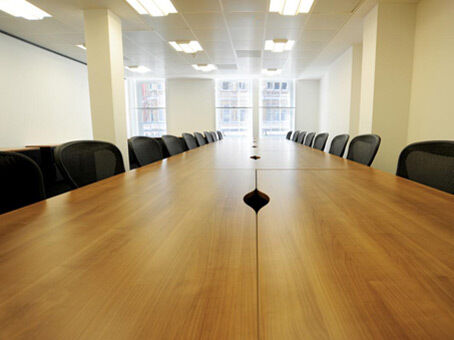 Need a west London business address? Use a Regus virtual office from £229pm