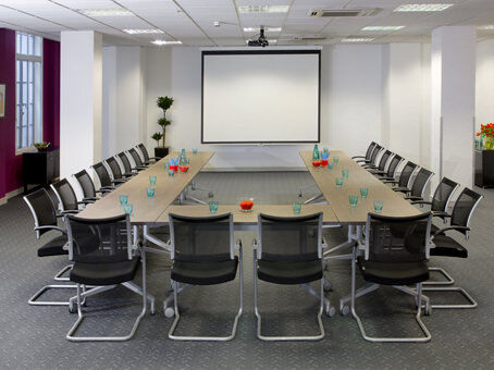 Professional business address from £249pm with a Regus virtual office
