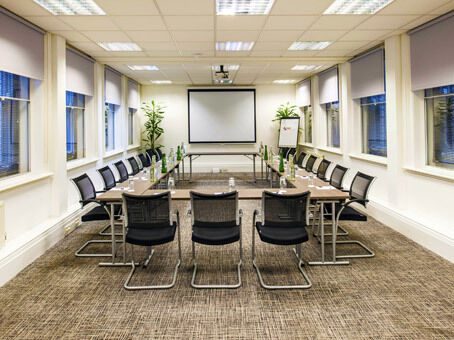 Get a Central London business address from £199 with Regus virtual offices
