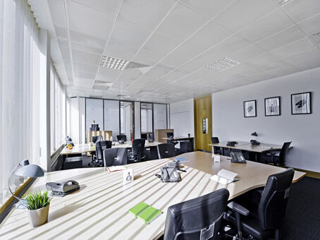 Professional business address in Slough from £99pm with a Regus virtual office