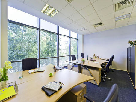 Get a professional business address in Reading, RG6 with a Regus virtual office from £129pm