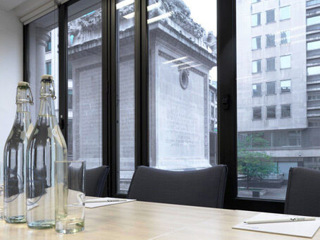 A professional business address to impress from £175pm with Regus virtual offices