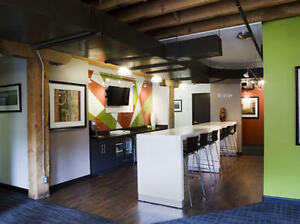 Why meet or work in coffee shops? Regus has another option! Oakville / Halton Region Toronto (GTA) image 11