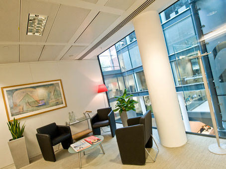 Professional business address in London from £315 with a Regus virtual office