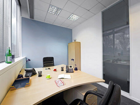 Get a prestigious business address in Slough with a Regus virtual office from £99pm