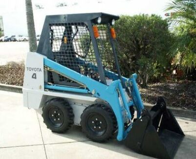 TOYOTA 900mm WIDE SKID STEER LOADER DRY HIRE 4IN1 BUCKET +TRAILER Belmore Canterbury Area Preview