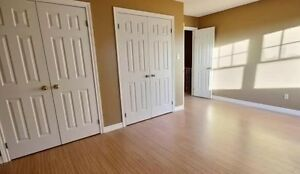 Beautiful rental minutes from fleming college - master suite