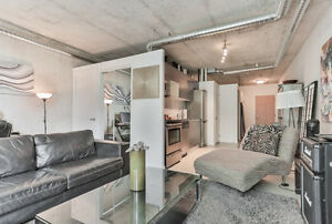 Dec 1 - QUEEN WEST - Furnished ART DECO - Terrace Unit