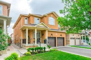 4 BR BEAUTIFUL DETACHED HOUSE FOR SALE IN AURORA