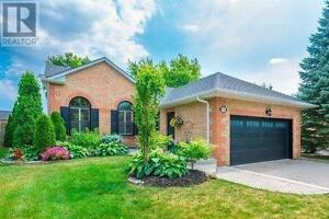 196 John Bowser Cres Newmarket Ontario Home for sale!