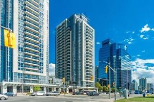 Bright Condo Corner Suite With 2 Bdrm + 1 Den In Yonge St