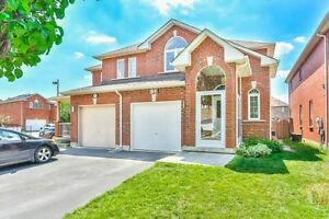 Beautiful 3 Bedroom House in Maple