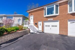 Newly Renovated Semi-Detached Back-Split In High Demand Clarkson