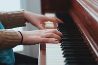 QUALIFIED AND EXPERIENCED TEACHER OFFERING THEORY/PIANO LESSONS