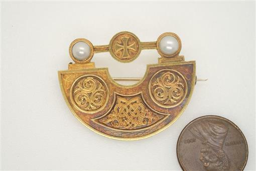 SUPERB QUALITY ANTIQUE VICTORIAN PERIOD 15K GOLD & PEARL CELTIC KNOT BROOCH