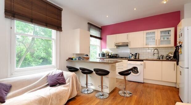 TWO BEDROOM FLAT IN WEST HAMPSTEAD NW6