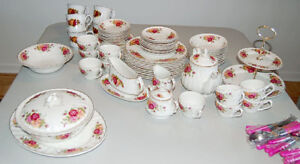 """""""Rose Garden"""" Ironstone Ware, Made in England by Myott - 72 morc"""