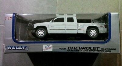Model CHEVROLET SILVERADO EXTENDED CAB SPORTSIDE BOX 1:18 from WELLY! Extended Cab Box