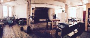 Local Espace à Louer/Loft Space for Rent (Photoshoot, Films etc)