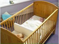 BRAND NEW Saferbaby/Safababy Sleeper Cot Divider