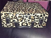 GORGEOUS LEOPARD PRINT MAKE UP CASE WITH LIGHTS - NO OFFERS