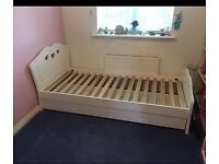 Girls single bed & draws