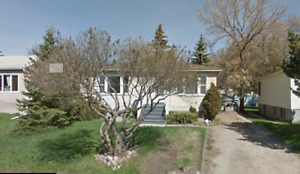 House for Rent in Belgravia - Close to U of A