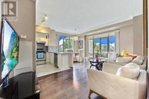 Recently Renovated,2Beds,2Baths,11121 YONGE ST, Richmond Hill