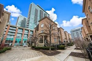 2 Bed 2 Bath Townhome Liberty Village Rooftop Terrace for BBQ!