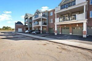 A Brand New Stacked Townhouse with Garage Oakville / Halton Region Toronto (GTA) image 4