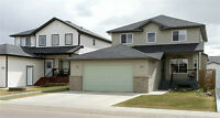 2200 SQ FT 2 STOREY CLOSE TO PARK & SHOPPING