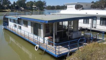 HOUSEBOAT Awatere